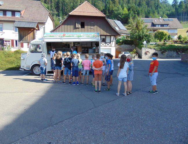 Eiswagen am letzten Schultag; Juli 2020
